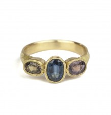 Sapphires Set in 18k Gold Ring