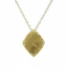 22k gold shield pendant necklace